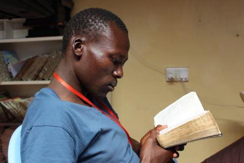 peter-reading-bible